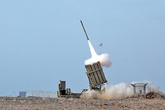 이스라엘 미사일 방어 시스템 '아이언 돔'의 발사 모습. [중앙포토]