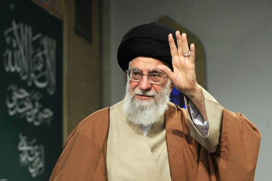 알리 하메네이 이란 최고지도자. 그는 8년 만에 금요일 대예배를 집전한다. [AFP=연합뉴스]