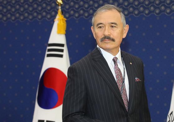 지난해 11월 서울 종로구 외교부 청사를 방문한 해리 해리스 주한 미국대사. [김상선 기자]