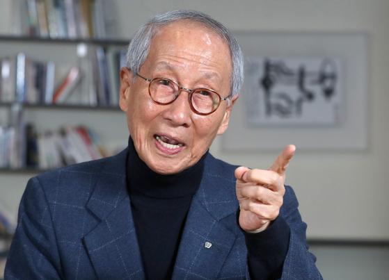 윤여준 전 장관. 강정현 기자