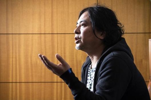 공간을 넘어 라이프 스타일을 제안하고, 도시와 지역을 연결하는 새로운 사람을 과녜인구라 정의하며 활력있는 도시를 만들고 있는 도쿄 R 부동산의 공동 창업가 요시자토 히로야 [사진 중앙일보]