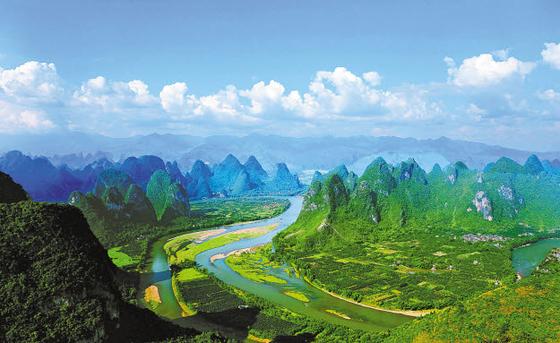 온라인투어가 '2020 새해 여행 유망주' 기획전을 선보였다. 사진은 중국 계림. [사진 온라인투어]