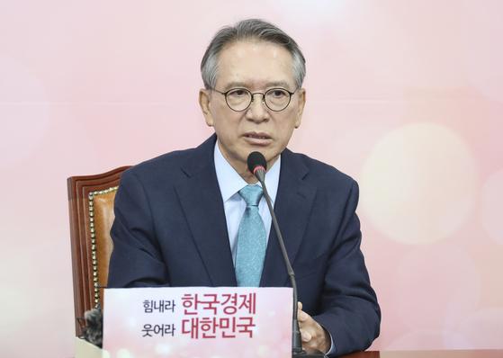 자유한국당 김형오 공천관리위원장이 17일 국회에서 열린 황교안 대표와의 회동에서 발언하고 있다. 임현동 기자