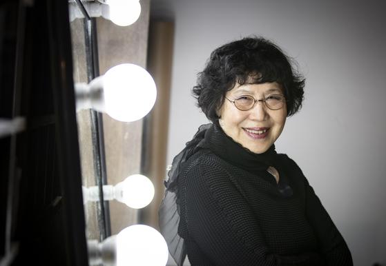 내년에 세는 나이로 여든이 되는 배우 박정자는 자신의 연극 인생에 대해 얘기하는 1인극을 내달 예술의 전당 무대에 올린다. 권혁재 사진전문기자