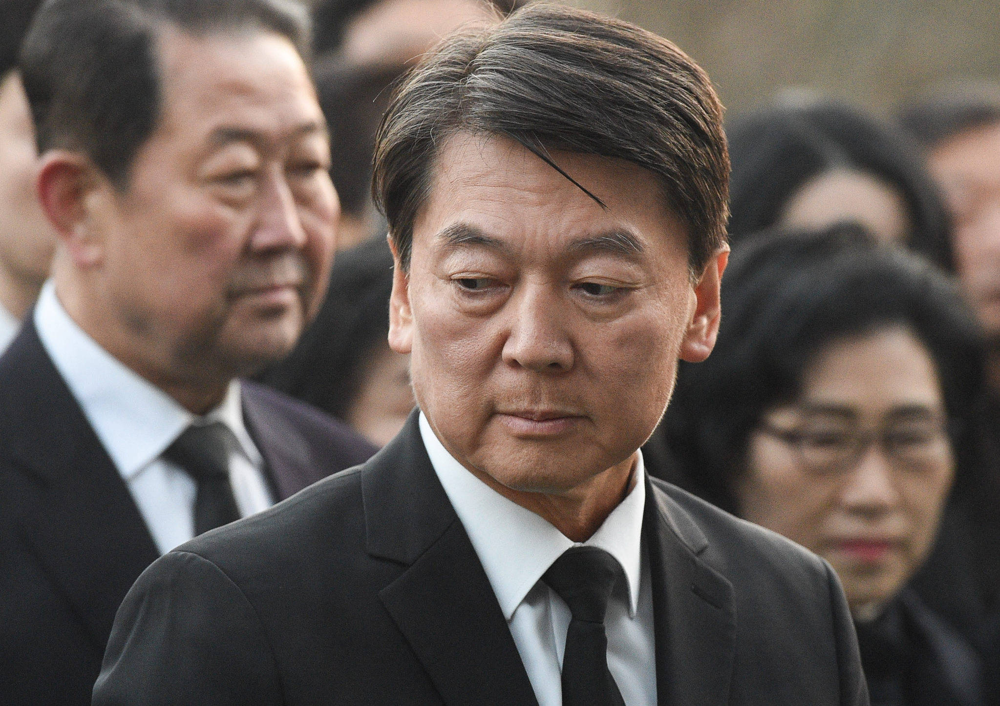 정계 복귀를 선언한 안철수 전 대표가 20일 오전 서울 동작구 국립서울현충원을 찾아 참배하고 있다. 임현동 기자
