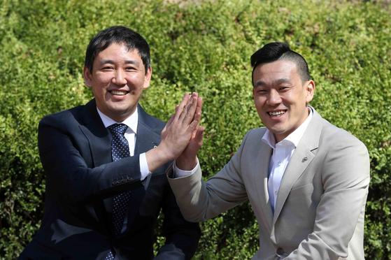 프로배구 현대캐피탈 최태웅 감독(왼쪽)과 여오현 플레잉 코치. 김상선 기자