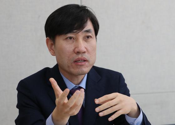 하태경 새로운보수당 책임대표가 21일 중앙일보와 인터뷰 하고 있다. 최정동 기자