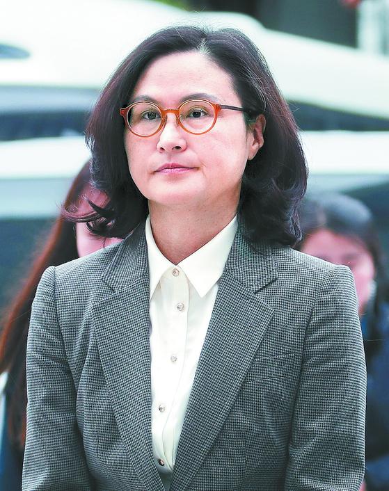 정경심, 재판 첫 출석 검찰 이 잡듯 뒤졌다···전부 무죄 주장