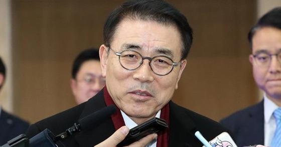 조용병 신한금융지주 회장. [뉴스1]
