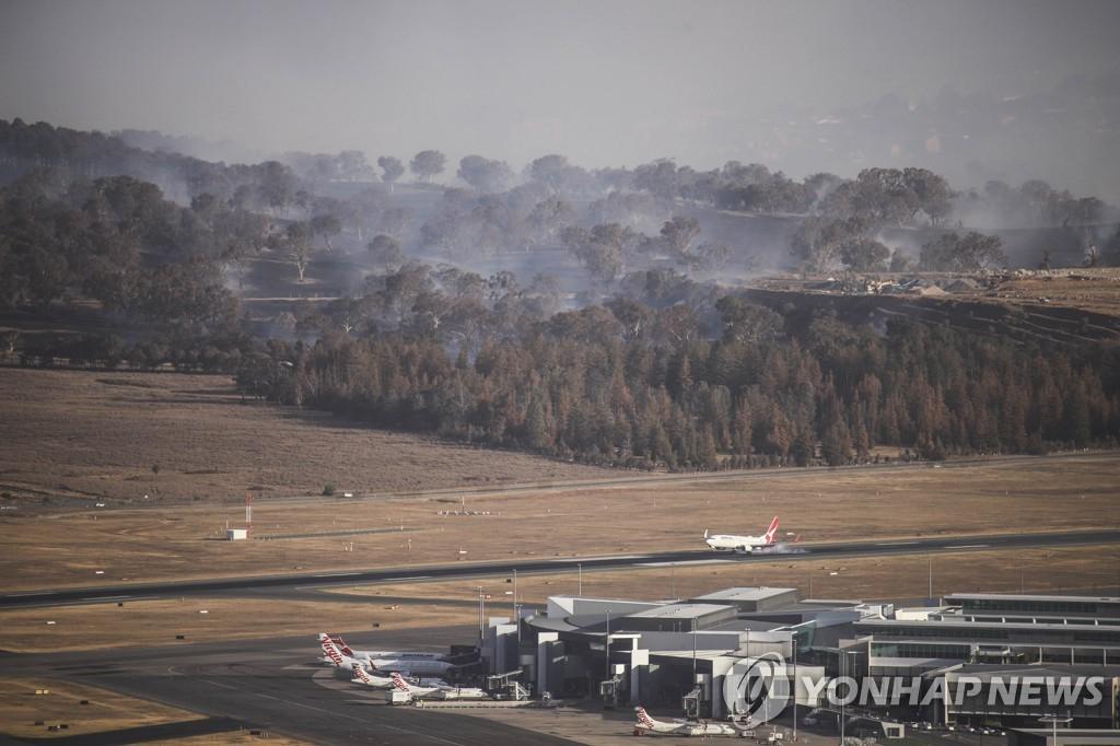 호주 산불 다시 '맹위'…소방항공기 추락해 美 대원 3명 사망