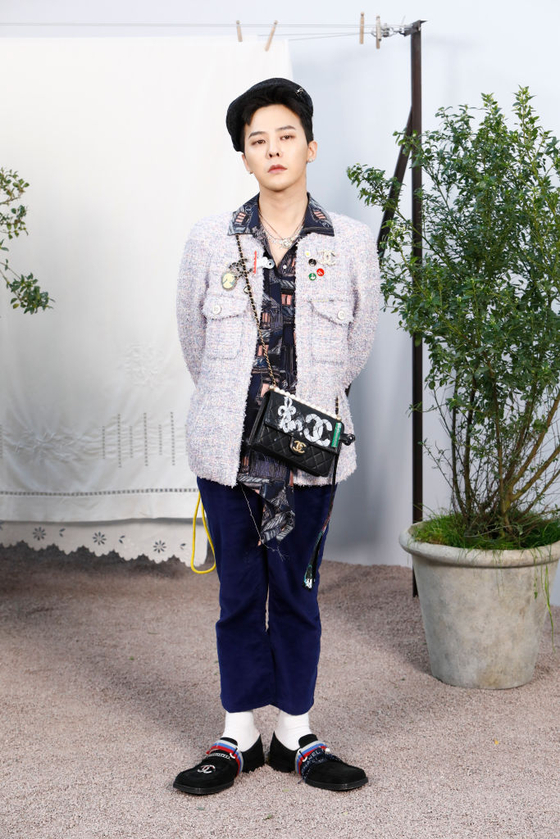 PARIS, FRANCE - JANUARY 21: G-Dragon attends the Chanel Haute Couture Spring/Summer 2020 show as part of Paris Fashion Week at Grand Palais on January 21, 2020 in Paris, France. (Photo by Julien M. Hekimian/Getty Images for Chanel)