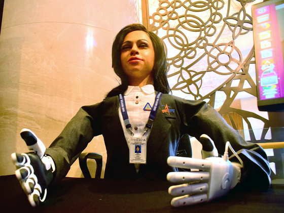 [서소문사진관]인도 첫 유인우주선에 함께 탈 휴머노이드 로봇