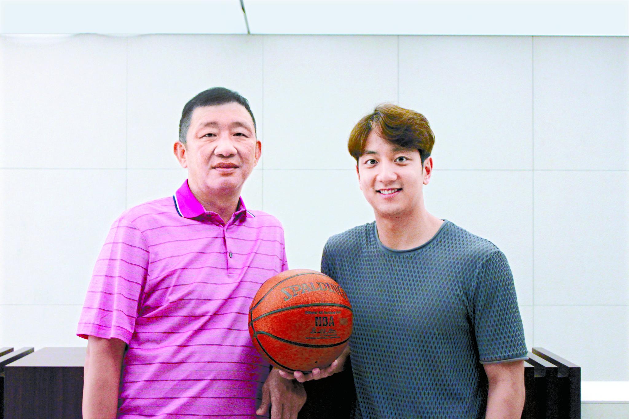 '농구 대통령' 허재(왼쪽)와 아들 허훈.