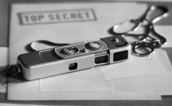 사용자 이익이 침해되는 것을 사전에 예방하는 효과적인 방법은 고용계약을 맺을 때 경업금지 의무 조항을 넣고, 이를 위반하면 손해배상으로 일정한 금액을 지급하기로 약정하는 것이다. [사진 Pixabay]