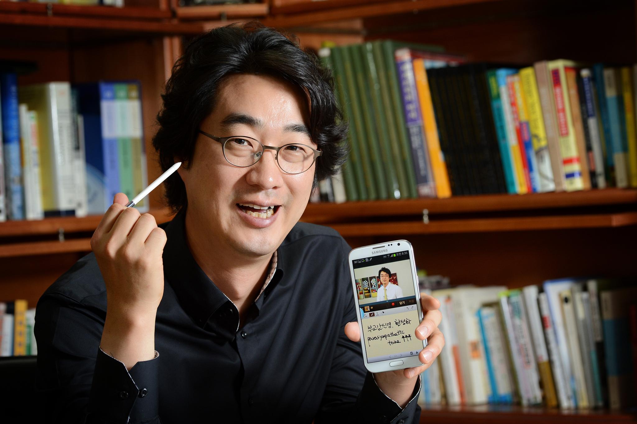 의사 출신 의학전문기자 홍혜걸씨. [중앙포토]