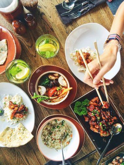 식당 메뉴 가격에는 식당을 운영하는 데 필요한 모든 비용이 포함되어야 한다. 또한 경쟁사 가격 비교, 고객이 느끼는 가치를 고려하여 산정해야 한다. [사진 pxhere]