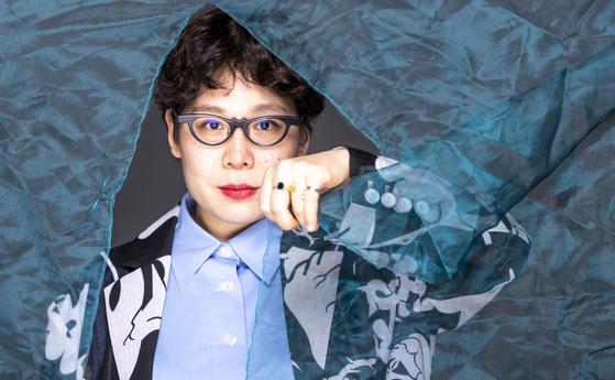 넷플릭스의 패션 디자이너 서바이벌 프로그램 '넥스트 인 패션' 우승자인 디자이너 김민주씨. 권혁재 사진전문기자