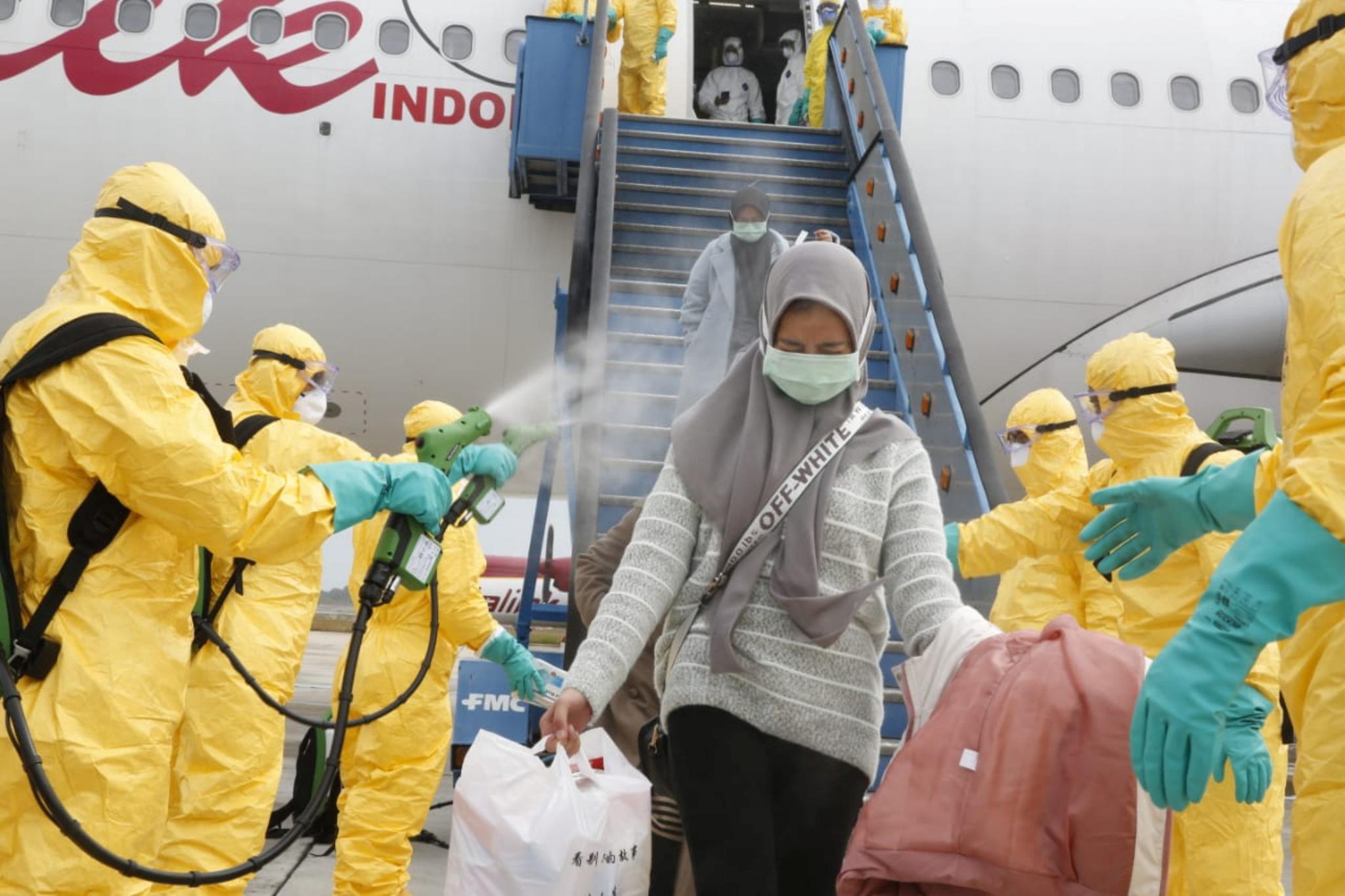 바틱에어 타고 중국 우한서 귀국한 인도네시아 교민들. [로이터=연합뉴스]