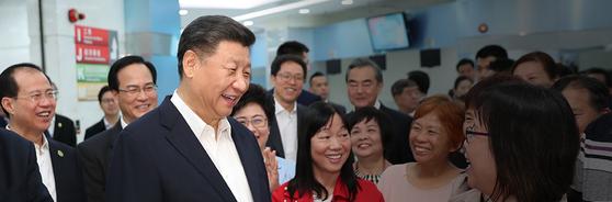 중국 일부 언론은신종 코로나바이러스 관련 소식보다 시진핑 국가주석 띄우기에 더 많은 관심을 보이고 있다. [중국 공산당신문망 캡처]