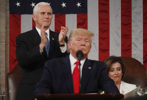 도널드 트럼프 대통령이 4일(현지시간) 미 의회에서 국정연설을 하고 있다. [사진 로이터 연합]