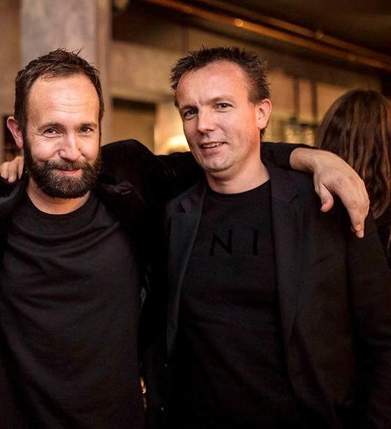 『동생이 안락사를 택했습니다』의 저자 마르셀 랑어데이크(왼쪽)와 2016년 세상을 떠난 동생 마르크. [사진 꾸리에 출판사]