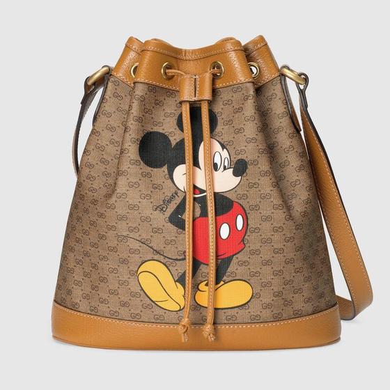 구찌와 월트 디즈니가 협업해 출시한 '디즈니X구찌 컬렉션'의 스몰 버킷백. 2020 경자년 쥐의 해를 기념해 만들어졌다. [사진 구찌 홈페이지]