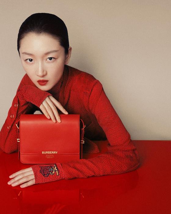 중국 시장에 공을 들이는 버버리는 오는 4월 상하이에서 처음으로 2020 가을겨울 독점 컬렉션을 선보일 예정이다. [사진 버버리 공식 인스타그램]