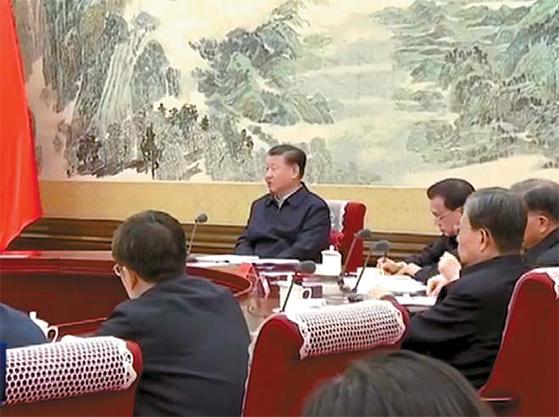 신종코로나 사태로 한반도 문제가 소강상태를 맞고 있다. 지난달 25일 대책회의 하는 시진핑 국가주석. [CCTV 캡처]