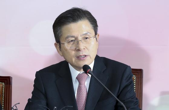 자유한국당 황교안 대표가 6일 오전 국회에서 열린 최고위원회의에서 발언하고 있다. 임현동 기자