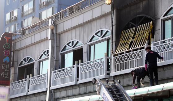 강릉 펜션 참사 막는다…불법건축물 이행강제금 최대 4배 인상