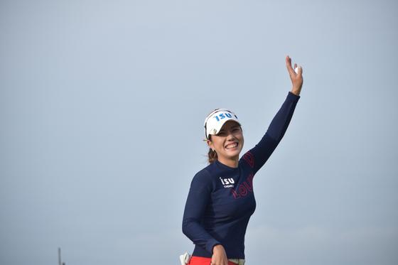 LPGA 투어 빅 오픈에서 정상에 오른 박희영이 우승을 확정한 뒤 환하게 웃고 있다. [사진 Golf Australia]