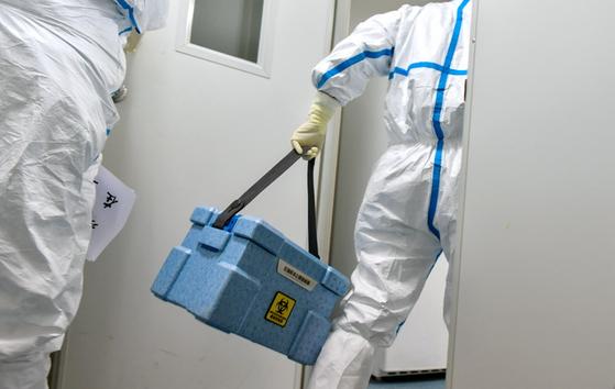 신종 코로나바이러스 확산 추세가 언제 꺾일지 모르는 상황에서 끝없는 방역 작업이 전개되고 있다. [중국 인민망 캡처]