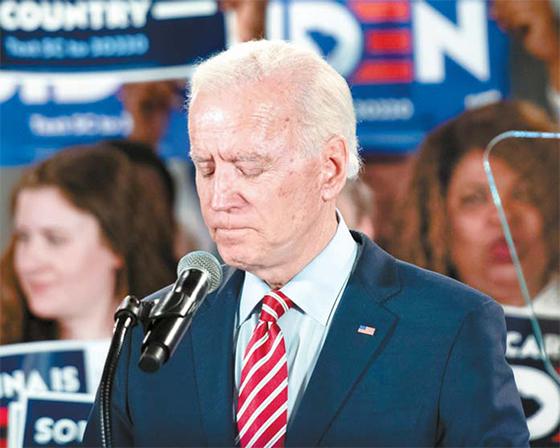 조 바이든 전 부통령이 11일 사우스캐롤라이나주 콜럼비아에서 유세에 나서고 있다. [로이터=연합뉴스]