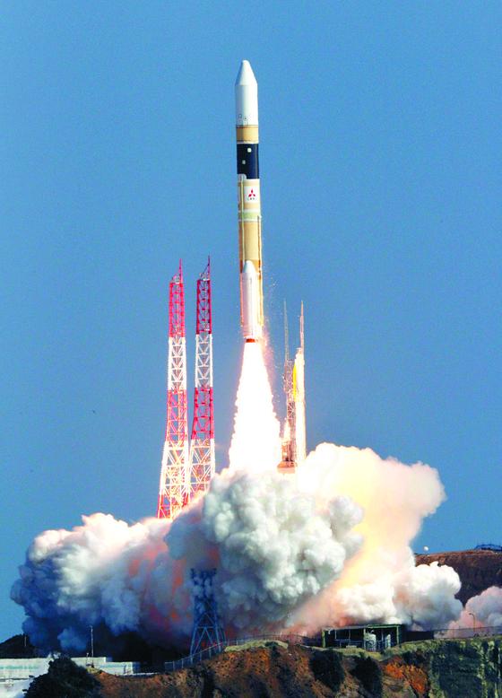 지난 9일 일본의 정보수집 위성 고가쿠(光學) 7호기를 실은 H2A 로켓 41호기 발사 장면. [연합뉴스]