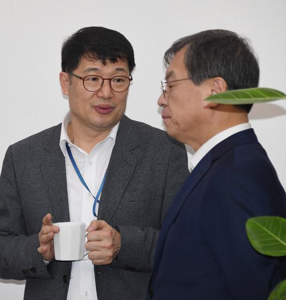 황덕순 청와대 일자리수석(왼쪽) [청와대사진기자단]