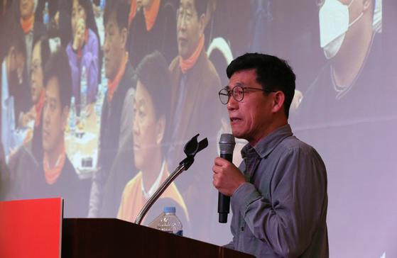 진중권 교수가 9일 서울 영등포구에서 열린 국민당 창당 발기인 대회에 초청 강연하고 있다. 오종택 기자
