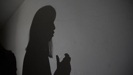 지난 11일 서소문 중앙일보 건물에서 인터뷰를 하고 있는 트랜스젠더 A씨. 백경민 인턴