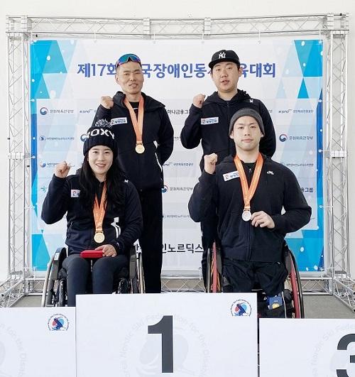 사진: (왼쪽 위부터 시계방향으로) 신의현 선수, 유기원 코치, 원유민, 서보라미 선수