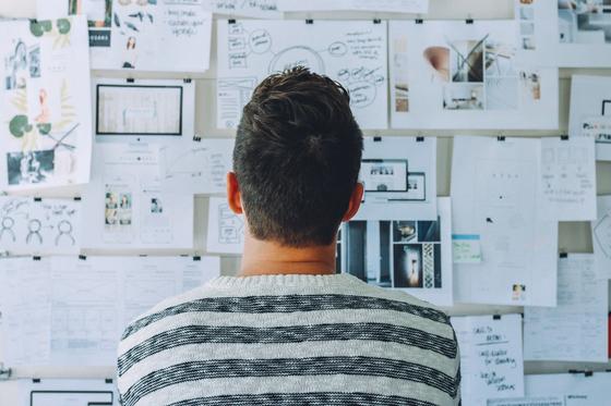 한 분야에서 큰 성과를 이루고 많은 어려움을 극복한 경험은 멋진 성과이고 또한 자부심을 가질 수 있다. 하지만 회사, 지위, 업종을 떠나서 한사람의 역량만을 두고 볼때도 세일즈를 잘 할 수 있을까? [사진 Pixabay]