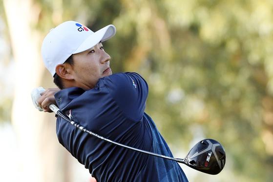 15일 열린 PGA 투어 제네시스 인비테이셔널 2라운드 9번 홀에서 티샷하는 강성훈. [AFP=연합뉴스]