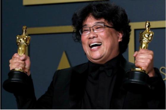 제92회 아카데미 시상식에서 4관왕의 영예를 안은 '기생충' 봉준호 감독. [로이터=연합뉴스]