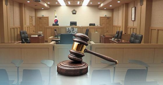 사법농단 혐의로 기소돼 재판 업무에서 빠졌던 현직 판사들이 3월 법정으로 다시 복귀한다. [연합뉴스]