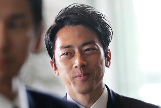 고이즈미 신지로 일본 환경상. [AP=연합뉴스]