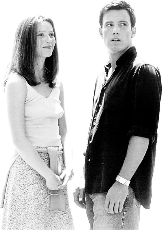 리즈 시절 벤 애플렉 그 두 번째. 영화 '바운스'에서 당시 연인 귀네스 팰트로와 찍은 사진이다. [중앙포토]