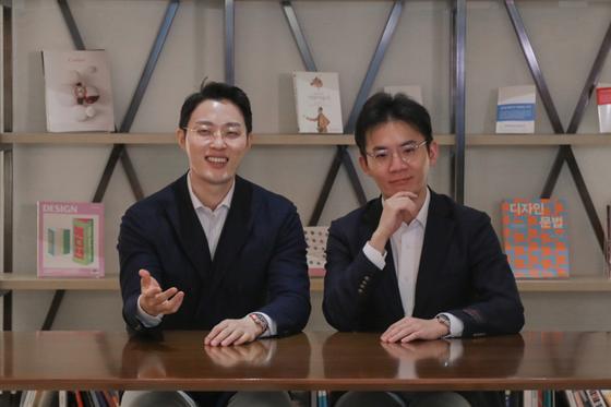 메디테라피 이승진(왼쪽) 대표와 이한승 대표가 서울 강남의 한 공유오피스 사무실에서 인터뷰하고 있다. 이소아 기자
