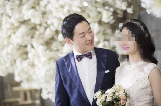 결혼식까지 미루며 신종 코로나와 싸우다 숨진 29세 펑인화 의사의 예비 아내는 임신 6개월인 것으로 알려져 주위를 더욱 안타깝게 했다. [중국 인민망 캡처]