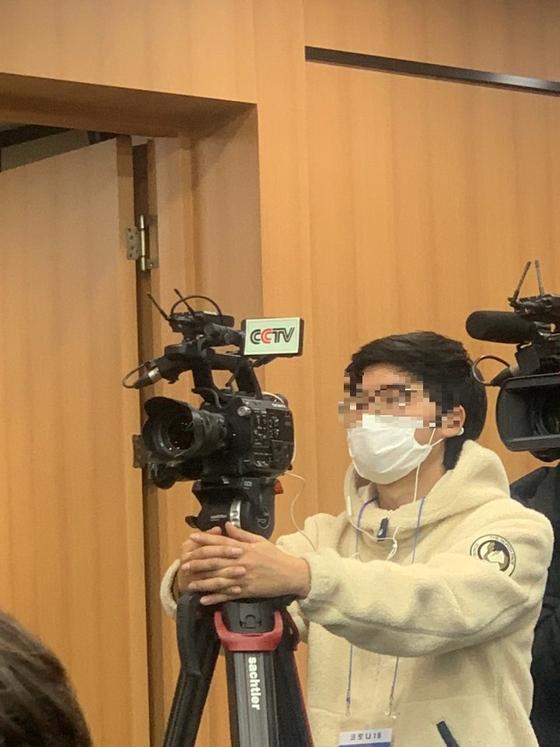 대구시청에 온 외신기자들. 김윤호 기자