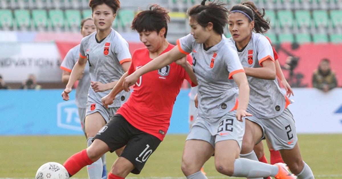 지난해 12월 10일 부산 서구 구덕공설운동장에서 열린 2019 동아시아축구연맹 동아시안컵(EAFF E-1) 챔피언십 대회 대한민국과 중국의 경기 전반전 모습. 뉴스1