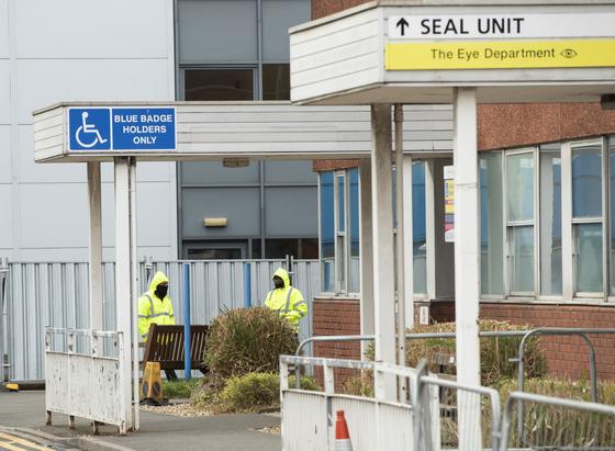 일본 크루즈 다이아몬드 프린세스호에서 돌아온 유럽연합 시민들은 애로우 파크 병원을 포함한 영국 각지 병원에서 14일간 관리를 받고 있다. 사진은 지난 22일 애로우 파크 병원 모습. [AP=연합뉴스]
