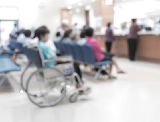실손보험 청구 간소화를 놓고 의료계·보험업계가 평행선을 달리고 있다. / 사진:getty images bank
